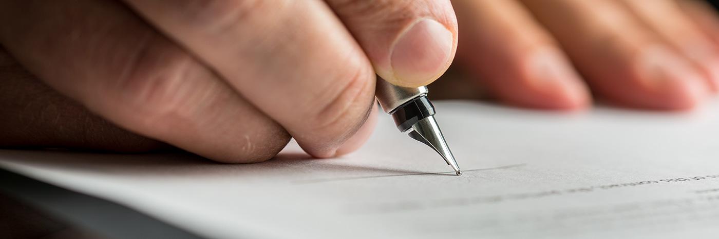 Köpebrev skrivs under av både parter och två vittnen